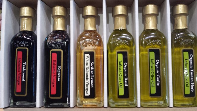Traditional 6 bottle pack of olive oils and vinegars